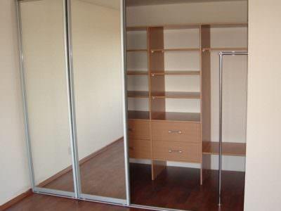 Шкаф-Купе Встроенный в Нишу  Зеркальные Двери